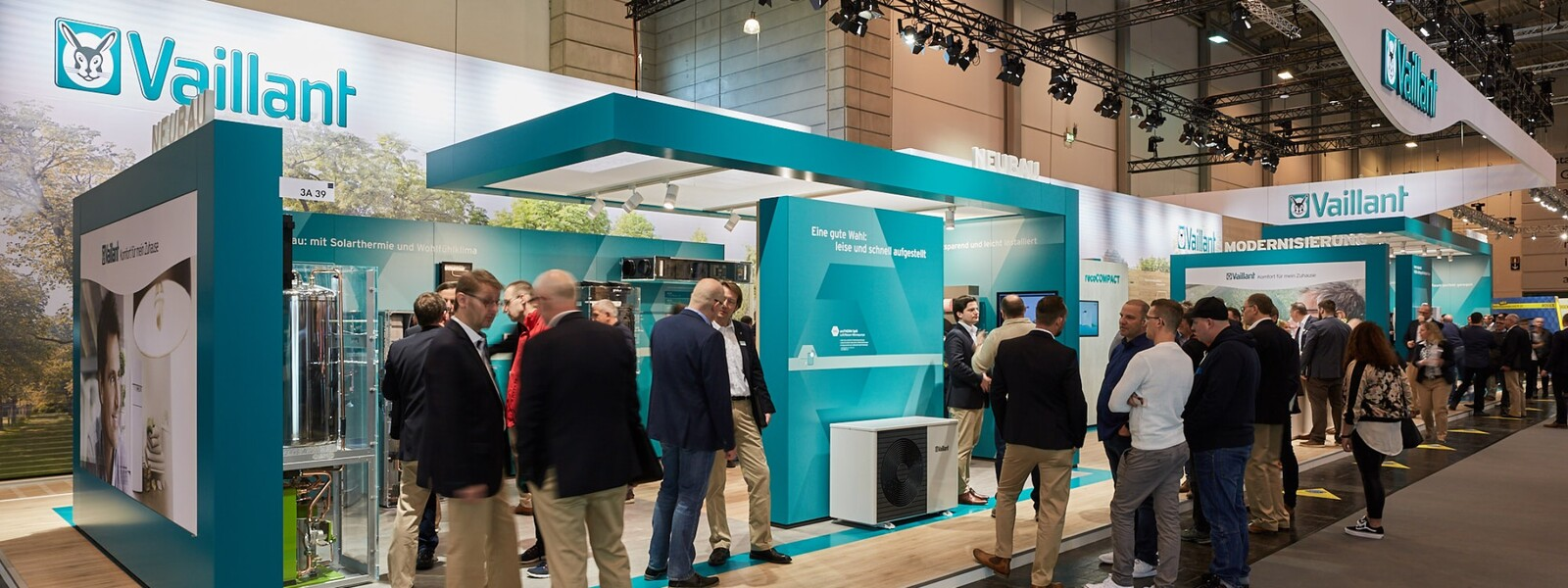 https://www.vaillant-group.com/newsroom/pressemitteilungen/2018/shk-2018/vaillant-shk-2018-messestand-1169706-format-24-9@1600@desktop.jpg