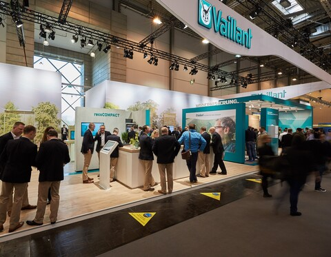 https://www.vaillant-group.com/newsroom/pressemitteilungen/2018/shk-2018/vaillant-shk-2018-messestand-2-1169707-format-9-7@480@desktop.jpg